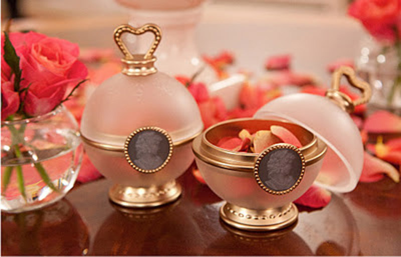 Smell bathroom sink - 15 Macaron Inspired Beauty Products Everyday Belle